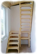 Лестничные ступени, лестницы из массива дуба.